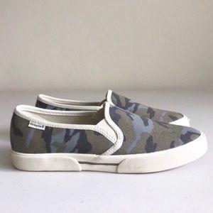 groove Shoes - Groove Genius Camo Print Canvas Slip Ons NWOB 7